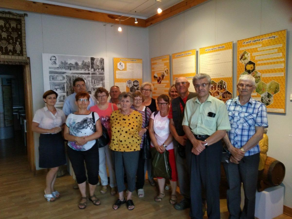 Członkowie Koła Terenowego Polskiego Związku Głuchych w Łukowie z wizytą w Muzeum Regionalnym