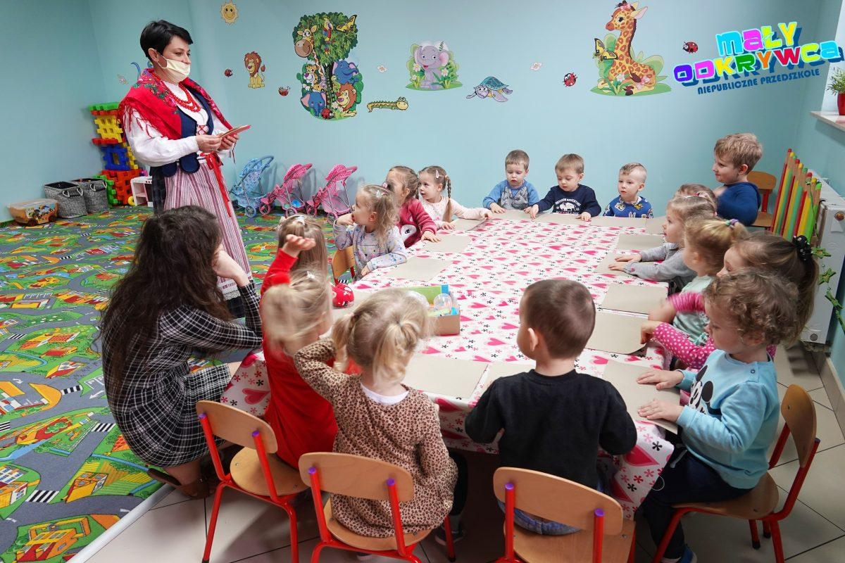 Świąteczne warsztaty bożonarodzeniowe dla przedszkolaków